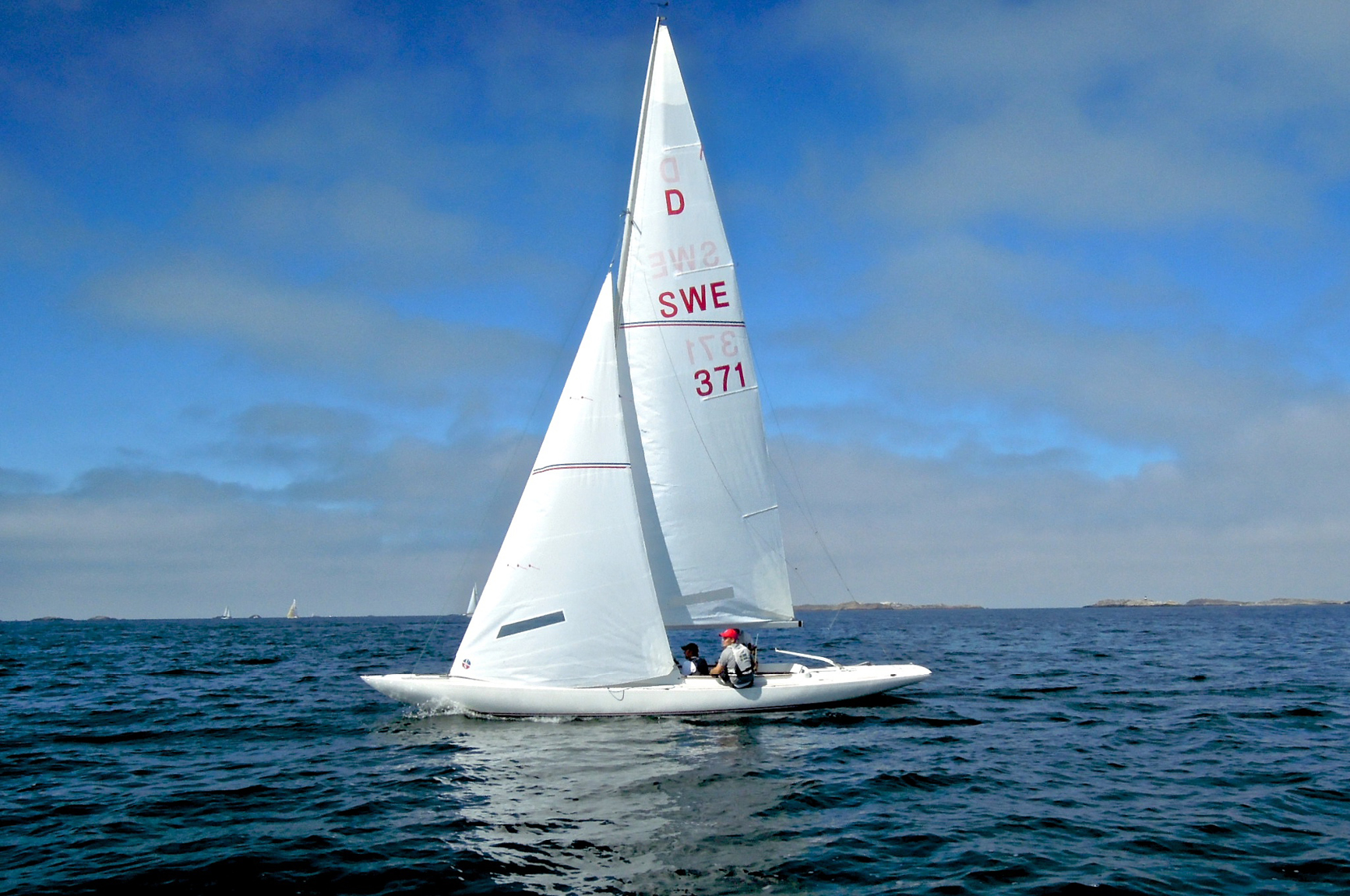 Ullman Sails aboard a Dragon sailing in Sweden