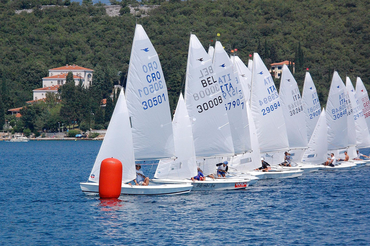 Ullman Sails powered Snipe Leads the start at the Southern European Championships